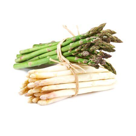 pakiet z białych i zielonych szparagów