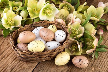 colores pastel: Pascua huevos de colores pastel, la decoración Foto de archivo