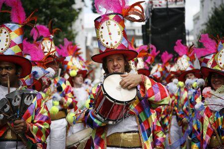 notting hill: Londra, Regno Unito - 29 agosto 2011: Seconda giornata del 2011 Notting Hill Carnival. Questo � uno dei pi� grande festival d'Europa e sfilata svolger� per due giorni. Primo giorno � conosciuto come il giorno dei bambini. Editoriali