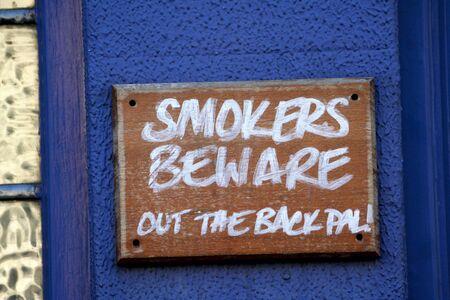 achtung schild: Achtung Schild Warnung langen Abfahrt in Richmond Park geheilt