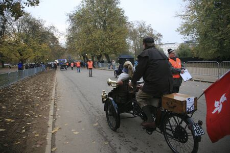 london to brighton veteran car run: London, UK - November 07, 2010: London to Brighton Veteran Car Run participants, Humber, 1903,  leaving Hyde Park, the event starts at 7:00am at the Serpentine Road in Hyde Park.  Editorial