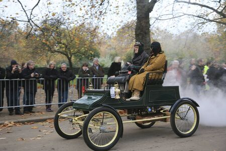 london to brighton veteran car run: London, UK - November 07, 2010: London to Brighton Veteran Car Run participants, Stanley(steam), 1903,  leaving Hyde Park, the event starts at 7:00am at the Serpentine Road in Hyde Park.