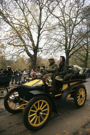 london to brighton veteran car run: London, UK - November 07, 2010: London to Brighton Veteran Car Run participants, Wolseley, 1903,  leaving Hyde Park, the event starts at 7:00am at the Serpentine Road in Hyde Park.  Editorial