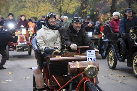 london to brighton veteran car run: London, UK - November 07, 2010: London to Brighton Veteran Car Run participants, Ache Freres, 1902,  leaving Hyde Park, the event starts at 7:00am at the Serpentine Road in Hyde Park.   Editorial