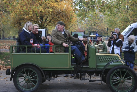 london to brighton veteran car run: London, UK - November 07, 2010: London to Brighton Veteran Car Run participants leaving Hyde Park, the event starts at 7:00am at the Serpentine Road in Hyde Park.  Editorial