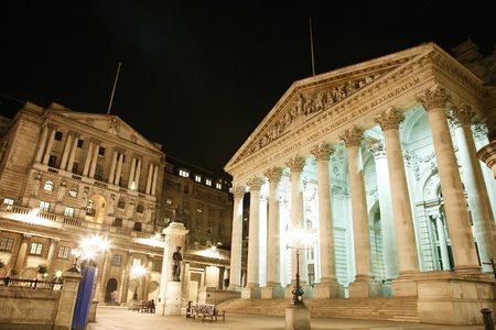 londre nuit: Le Royal Exchange Stock, Londres, Angleterre, Royaume-Uni
