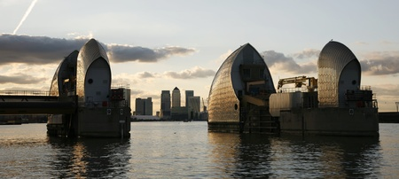moveable: Thames Barrier, tidal protector, is the worlds second largest movable flood barrier  Stock Photo