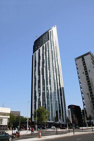 strata: Londra, Regno Unito - 26 giugno 2011: Vista esterna di Strata, un grattacielo a Southwark, 148 metri di altezza, 43 piani, completato nel 2010.
