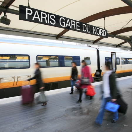 du ร    ก ร: Paris North Station, Gare du Nord, France  Serve about 190 million per year, the busiest railway station in Europe