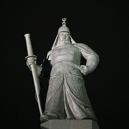 admiral: Statue of the Admiral Yi Sun-Sin in downtown Seoul, South