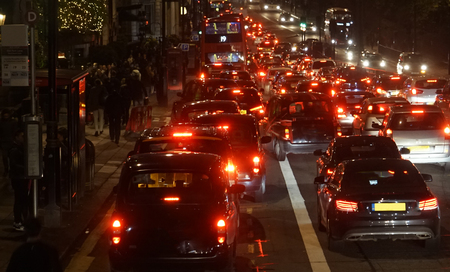 rush hour: Rush hour on London streets, Evening traffic, London city lights