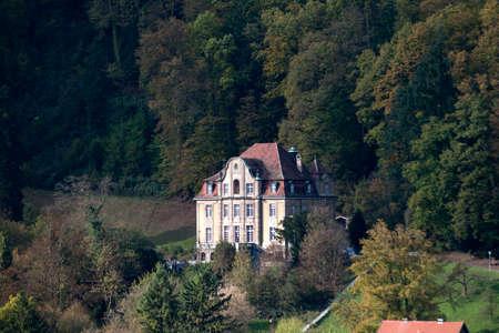 Ghost House, oude villa in het bos