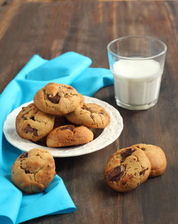 Peanut butter and chocolate chip cookies Foto de archivo