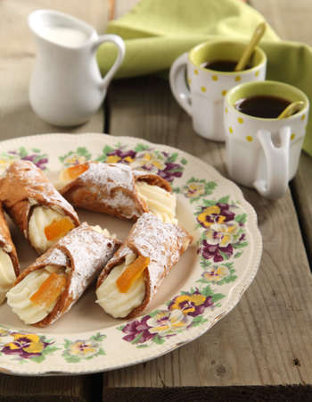 Sicilian cannoli photo