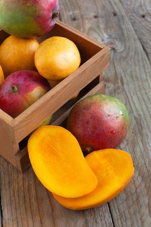 mango fruta: Mango fresco