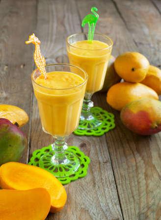 Fresh mango cocktail 版權商用圖片