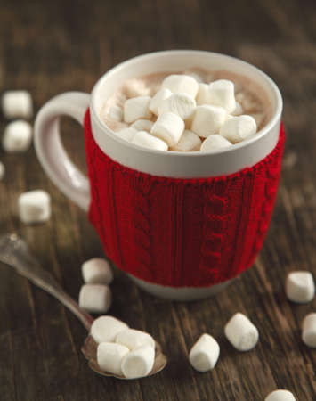 hot chocolate drink: Mug filled with hot chocolate and marshmallows Stock Photo