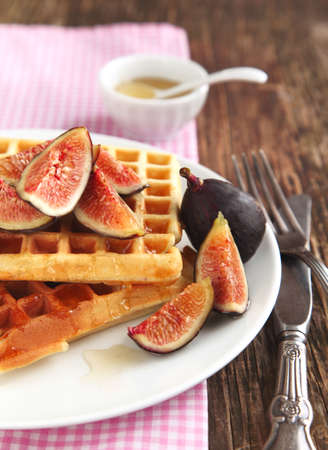Waffles with fresh figs and honey