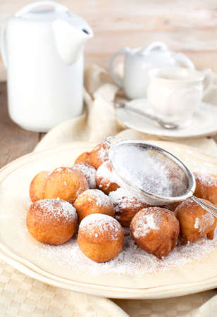 fritters: Sugar and cinnamon fritters
