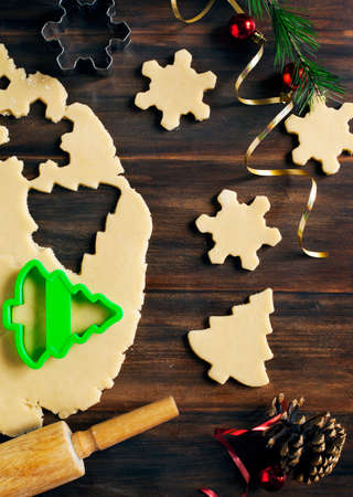 wood cutter: Baking Christmas cookies
