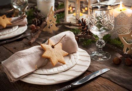 Christmas table setting. Holiday Decorations. Stockfoto