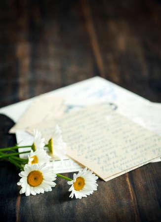 cartas antiguas: Manzanilla fresca y viejas cartas