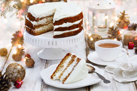 honey cake: Honey cake