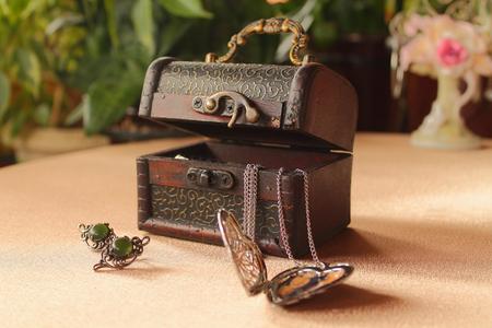cofre del tesoro: caja de joyer�a de la vendimia