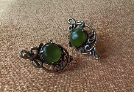 ladylike: vintage earrings with green stones
