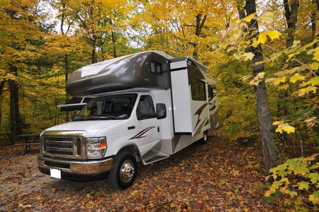 roadtrip met camper in Indian summer Onta Canada Stockfoto