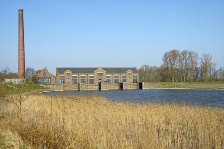 The Ir. D. F. Woudagemaal is the largest steam pumping station ever built in the world. The pumping station is located in Lemmer near Tacozijl in Friesland.