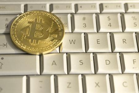 bitcoin gold coin cryptocurrency a digital money concept Stockfoto