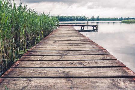 호수에 부두 스톡 콘텐츠