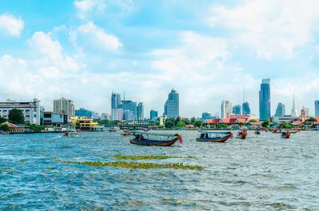 차오 프라야 강 Menam 방콕, 태국에서의 아름 다운 경치
