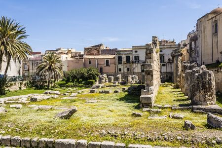 doric: View of the ruins of the ancient greek doric temple of Apollo in Siracusa, Sicilia, Italy