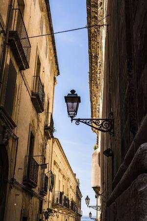 ortigia: Alley at Ortigia, Syracuse, Sicily, Italy Stock Photo