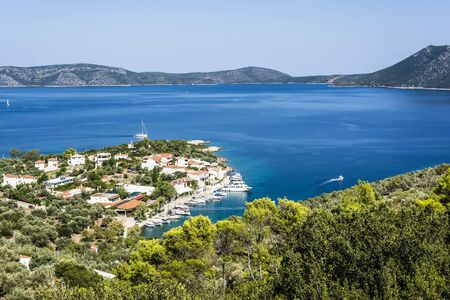Birds eye view of Steni Vala bay in Alonissos Imagens