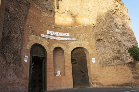 Facade of the Basilica of St. Mary of the Angels and the Martyrs. Rome, Italy. 免版税图像