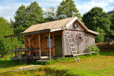 Old wooden house Stock Photo - 4984351