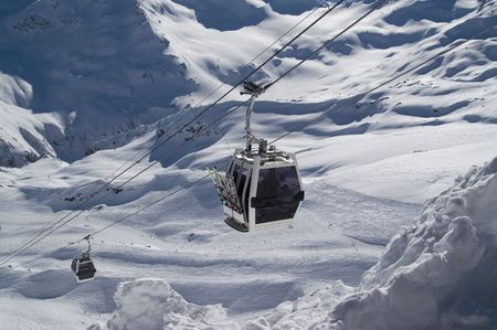 Ski lift. Ski slopes of Mount Elbrus Stock Photo - 6626772