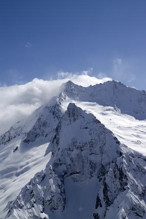 cocaina: Alte montagne. Caucaso, Dombay, Ine Peak.  Archivio Fotografico