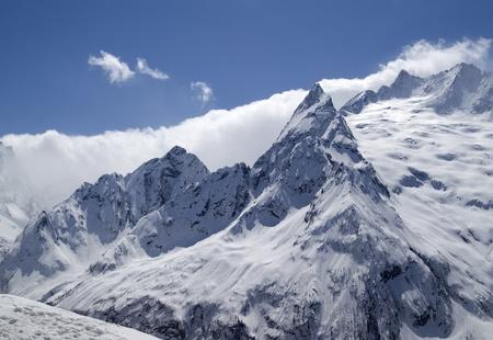 cocaina: Montagne del Caucaso. Dombai. Picco Ine. Archivio Fotografico