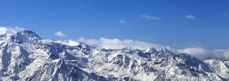 Panoramic view on snowy mountains at nice sunny day. Caucasus Mountains. Svaneti region of Georgia at winter. 版權商用圖片