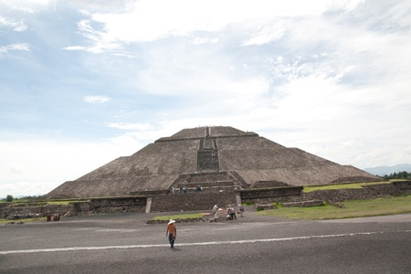 Pyramid of the Sun (second largest in the New World after the Great Pyramid of Cholula) in Teotihuacan (Teotihuac�n), archaeological site in the Basin of Mexico,with the largest pyramidal structures from pre-Columbian Americas. July 29th, 2010 Stock Photo - 11748709