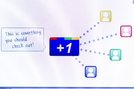 Computer screen view of Google+ on 15 July 2011 에디토리얼