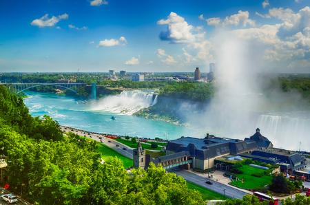 the edge of horseshoe falls: Niagara Falls - Canada