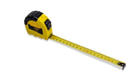 Ruban à mesurer jaune pour mesurer les dimensions du système métrique avec sorti bande sur fond clair. Isolement. Banque d'images - 38641884