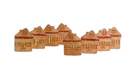 gelatina: Galletas en forma de casas chalets con inserciones de gelatina de color rojo sobre fondo claro