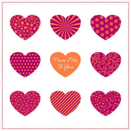 Fondo con los corazones estampados en colores vibrantes en blanco. Se puede utilizar como tarjeta de San Valent�n, tarjeta de felicitaci�n o invitaci�n