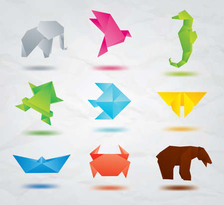 Set of origami animals symbols  elephant, bird, sea horse, fish, butterfly, bear, crab, fish